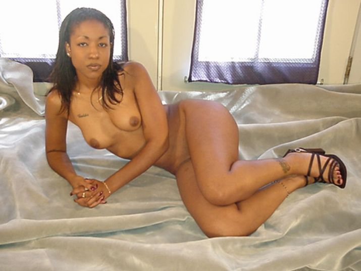 ebony_nude.jpg