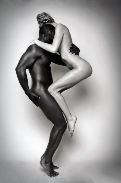 nude-black-couple-photography